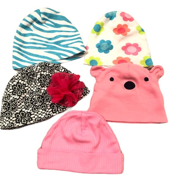 2/15$ Baby girl hats 0-6 (4 are Gerber) baby hats